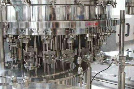 The filling machine is always the main force in the packing machinery industry